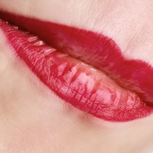 lip color tatoo